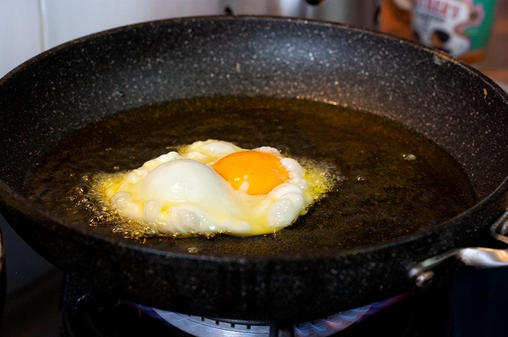 Huevo-frito-con-jamon- Receta Demillo